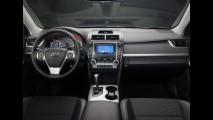 Toyota Corolla XRS e Novo Camry chegam mês que vem