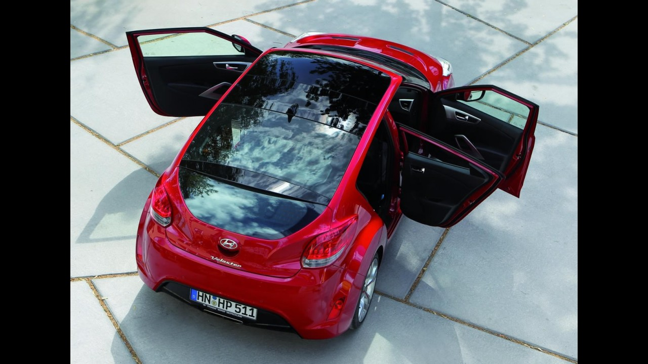 Hyundai Veloster passa por recall no Brasil para reparar problema no teto solar