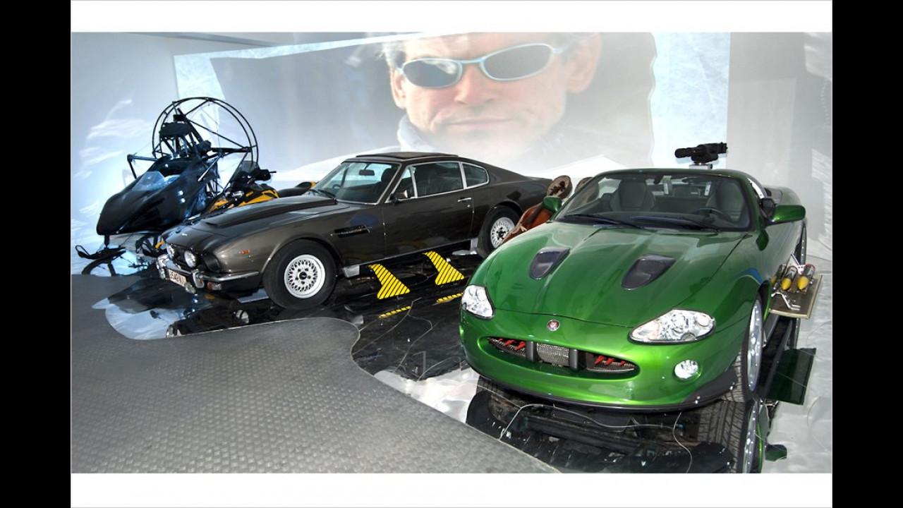 Aston Martin V8 und Jaguar XKR Convertible