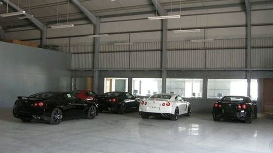 Flock of GT-R's Descend Upon UAE Dealer