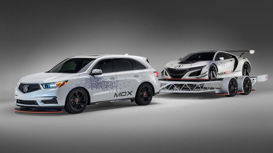 Acura NSX GT3 oldukça hızlı görünüyor
