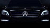 Mercedes-Benz illuminated star logo