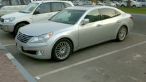 2010 Hyundai Equus on the street in Dubai