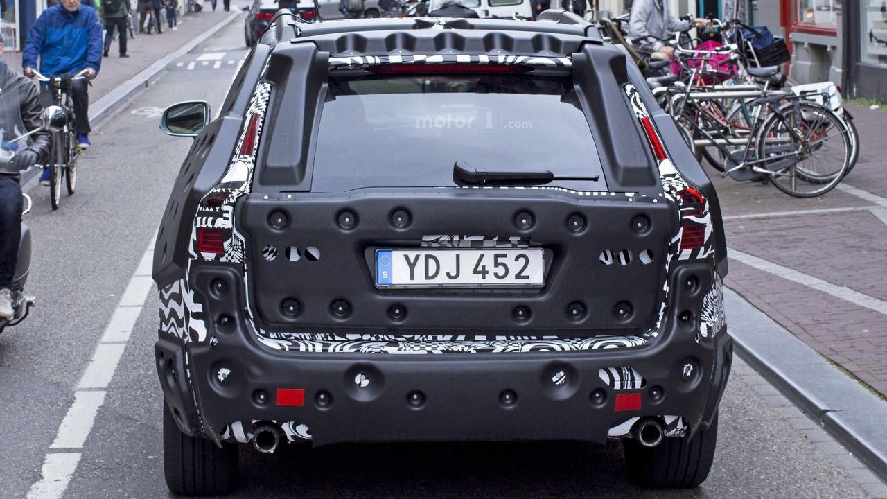 Gözetlenen yeni Volvo XC60 izlenimleri