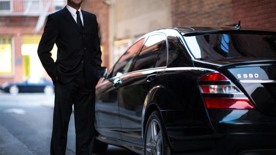 Riforma regole Uber, tutto rimandato al 2018