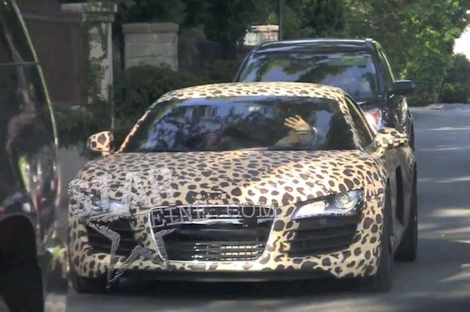 justin bieber audi leopard - photo #2