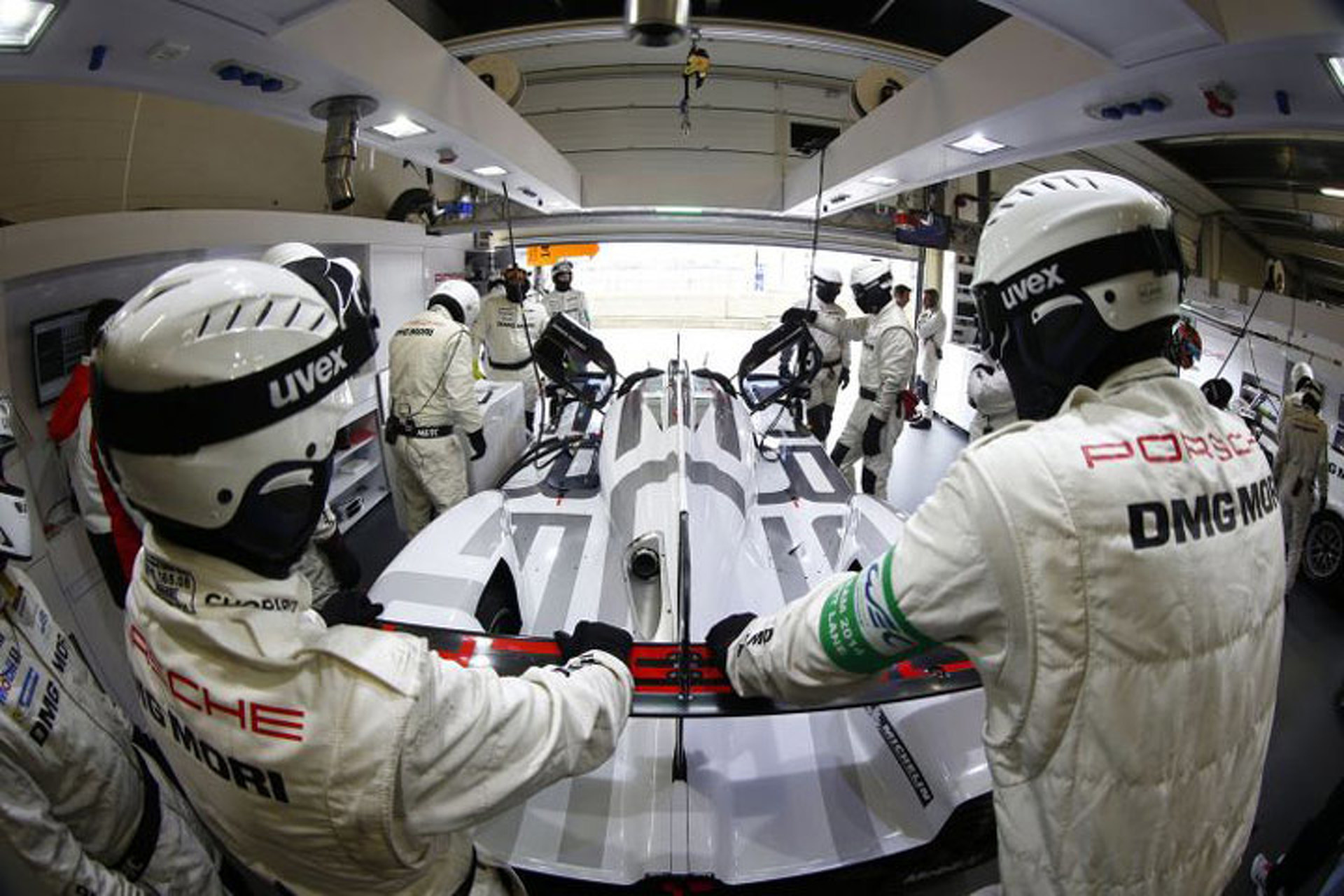 Just How Incredible is the Porsche 919 Hybrid?