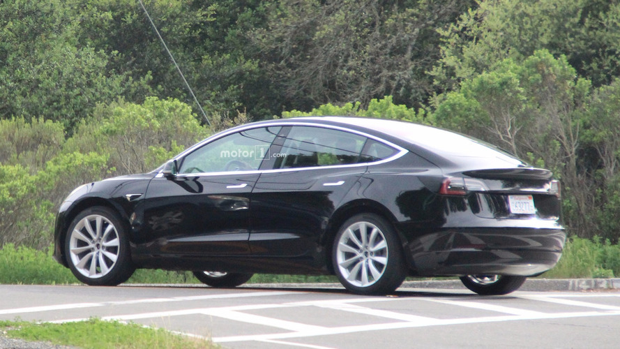 La Tesla Model 3 déjà comparée à la Model S !