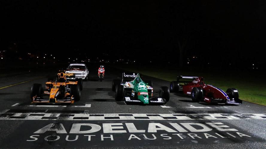 VIDÉO - Découvrez les F1 en action dans les rues d'Adelaide
