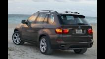 Novo BMW X5 2011 - Utilitário recebe pequenas mudanças visuais e novos motores