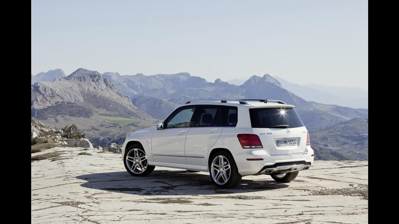 Mercedes-Benz revela primeiras imagens do GLK 2013 com visual reestilizado
