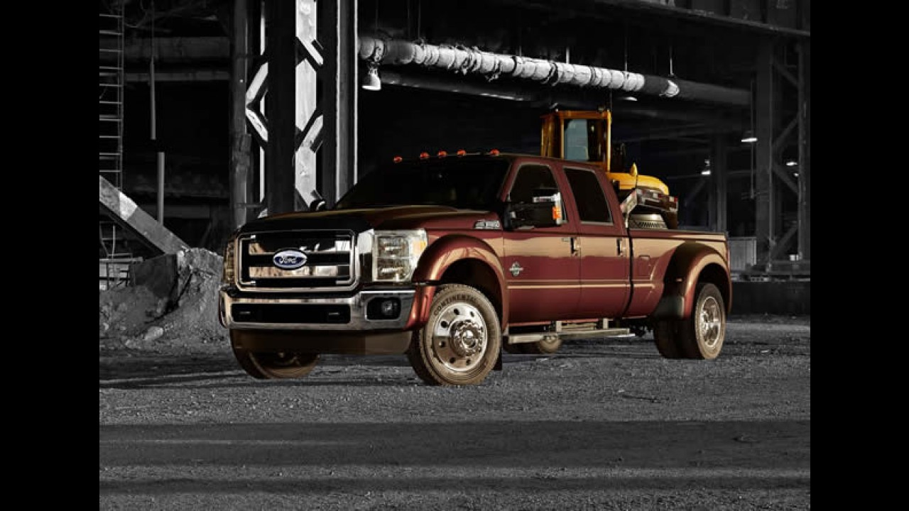 Ford F-Series Super Duty 2015 tem motor V8 de 405 cavalos