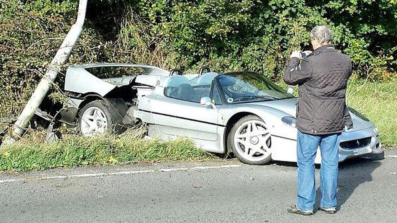 Ferrari F50 crash in UK