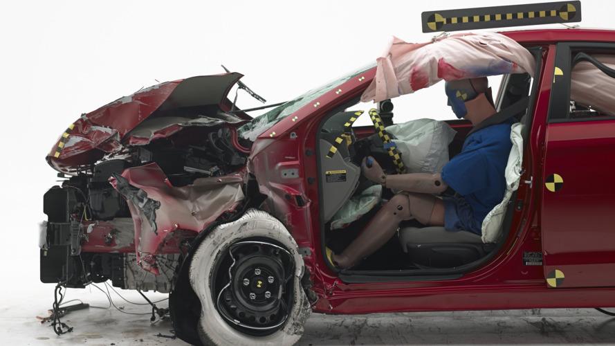 2017 Hyundai Elantra IIHS Crash Test