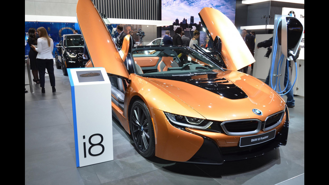 BMW i8 Roadster al Salone di Detroit 2018