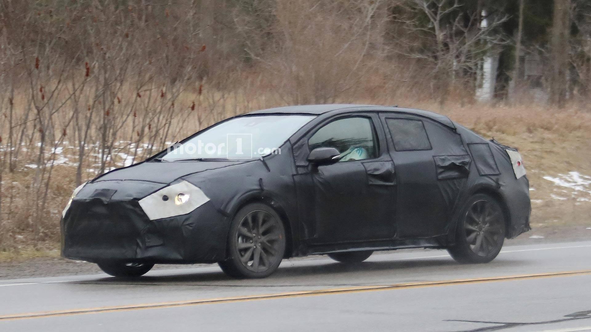2018 - [Toyota] Corolla Sedan 2020-toyota-corolla-spy-shots