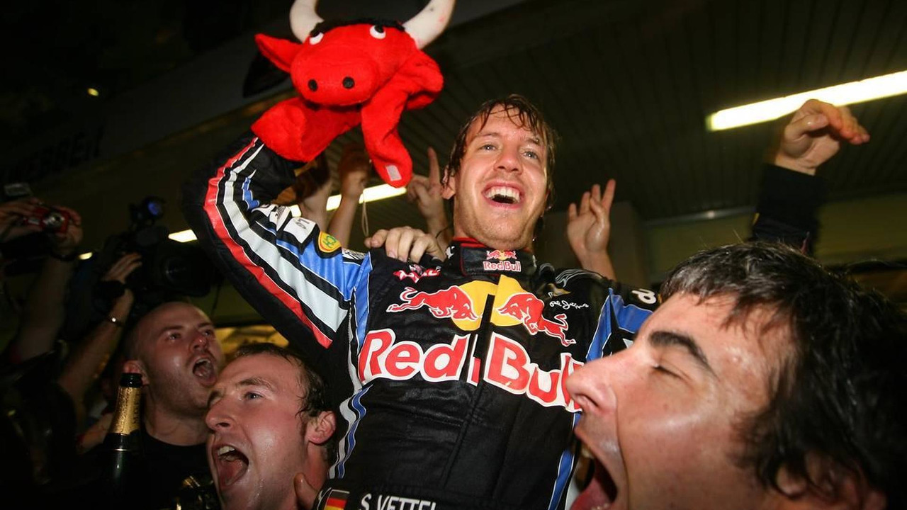 1st place and new world champion Sebastian Vettel (GER), Red Bull Racing - Formula 1 World Championship, Rd 19, Abu Dhabi Grand Prix, 14.11.2010 Abu Dhabi