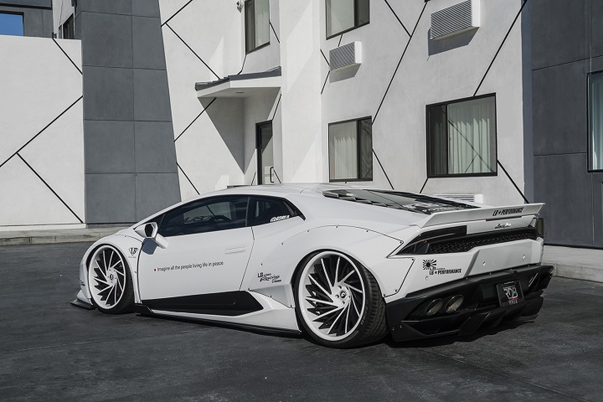 Liberty Walk Works its Magic on the Lamborghini Huracan