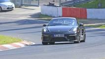 Makyajlı Porsche 718 Cayman GT4 Casus Fotoğrafları