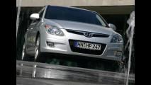 HATCHES MÉDIOS, resultados de dezembro: Hyundai i30 recupera liderança e Veloster despenca