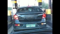 Flagra: Novo Chevrolet Cruze Hatch