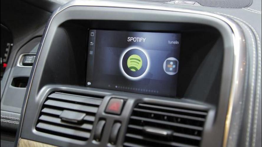 Tutta la musica di Internet in auto? Basta una parola