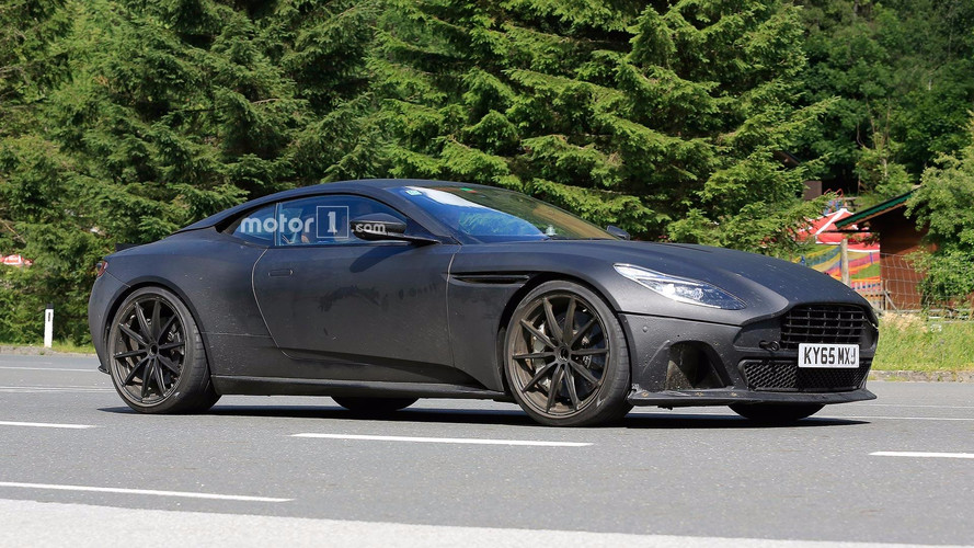 Aston Martin DB11 S, cazado con poco camuflaje