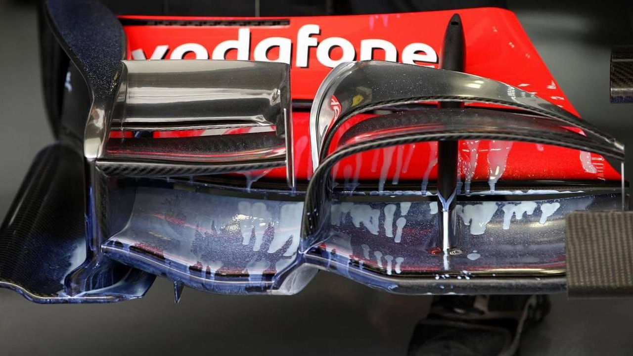 Aero paint on the front wing of the Lewis Hamilton (GBR), McLaren Mercedes, MP4-25 - Formula 1 World Championship, Rd 16, Japanese Grand Prix, 08.10.2010 Suzuka, Japan