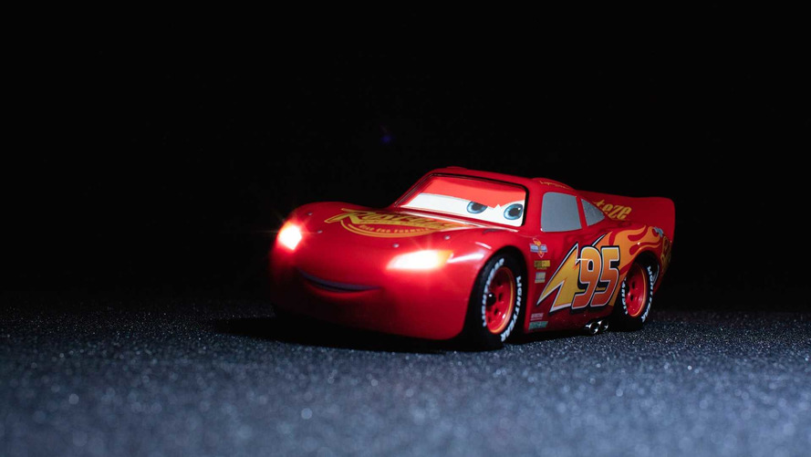 Lightning McQueen R/C Car Can Be Controlled Via Smartphone