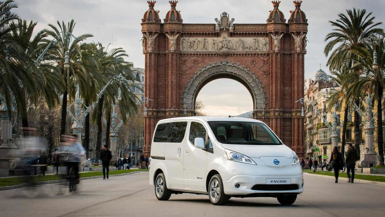 2015 Nissan e-NV200 seven-seat version