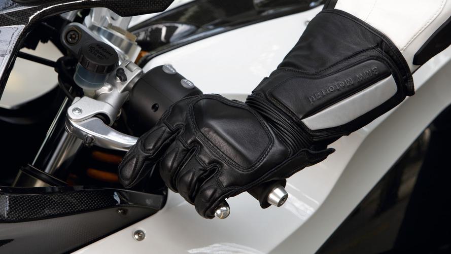Fransız motosikletçilerin eldiven giymesi zorunlu hâle getirildi