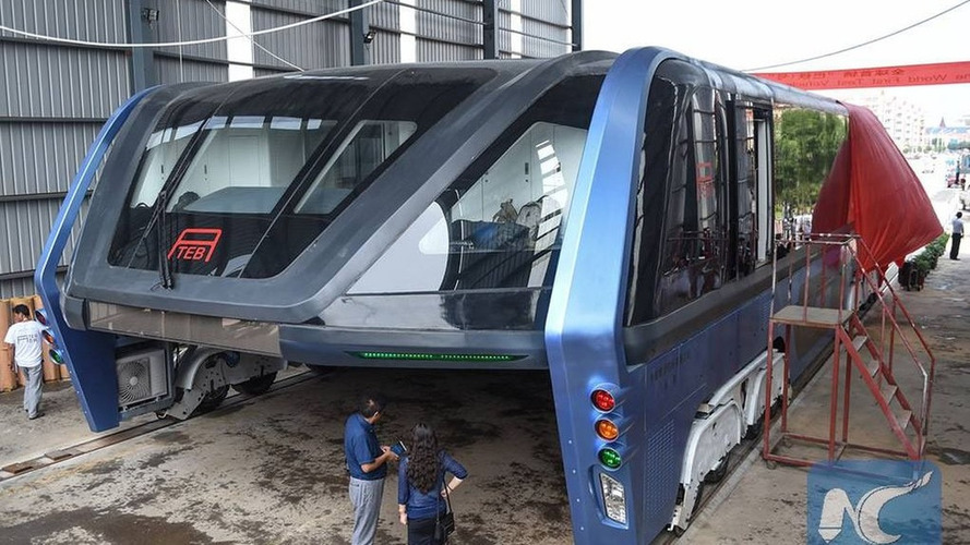 China's traffic-straddling bus is now a real thing, and it's huge