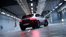 Porsche Macan Turbo with Performance Package (2017)