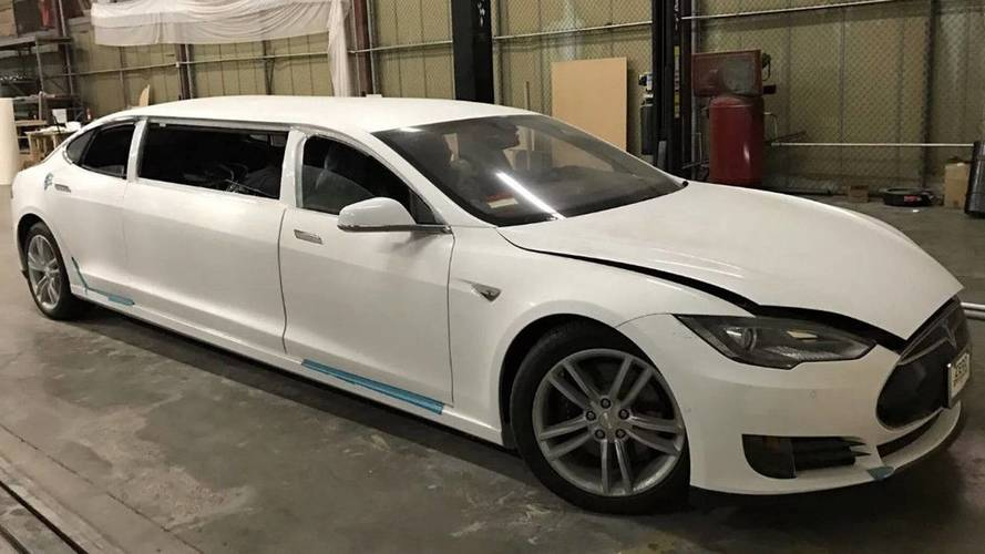 Dünyanın ilk Tesla Model S limuzini eBay'de satılıyor