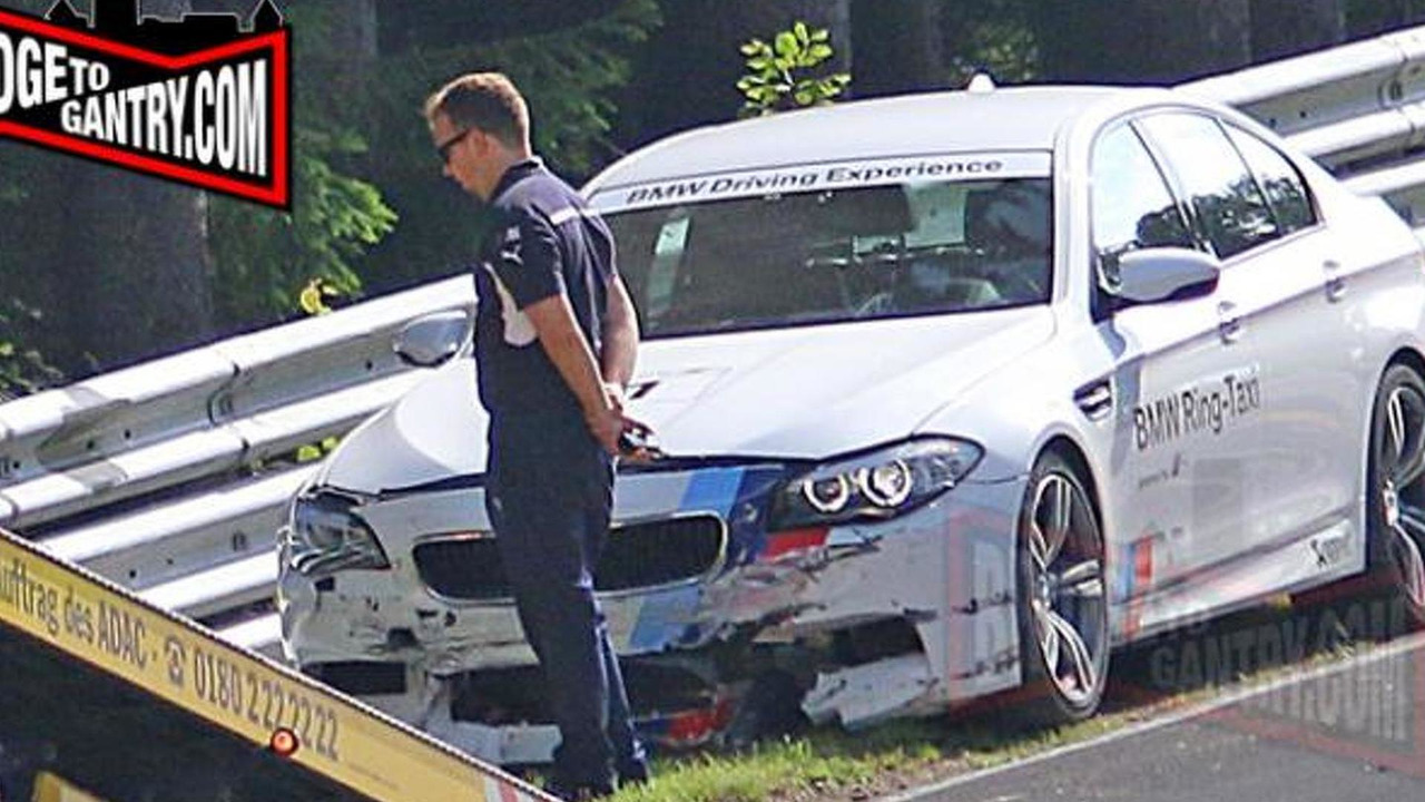 BMW M5 Nurburgring Taxi crash