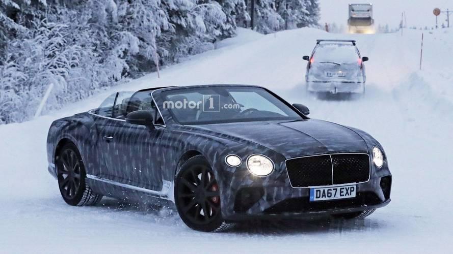 Photos espion - La Bentley Continental GTC approche