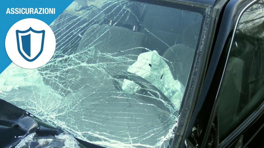 Incidente con un'auto non identificata, le 3 cose da fare
