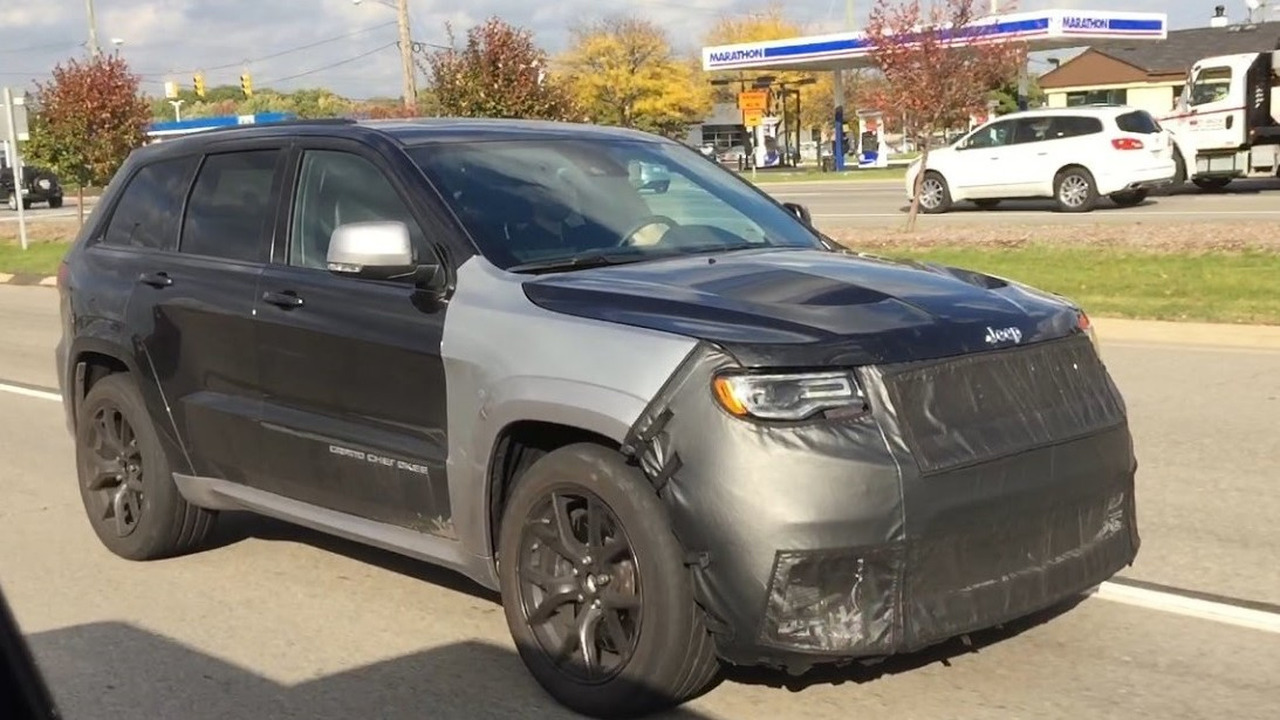 Jeep Grand Cherokee Trackhawk screenshot from spy video
