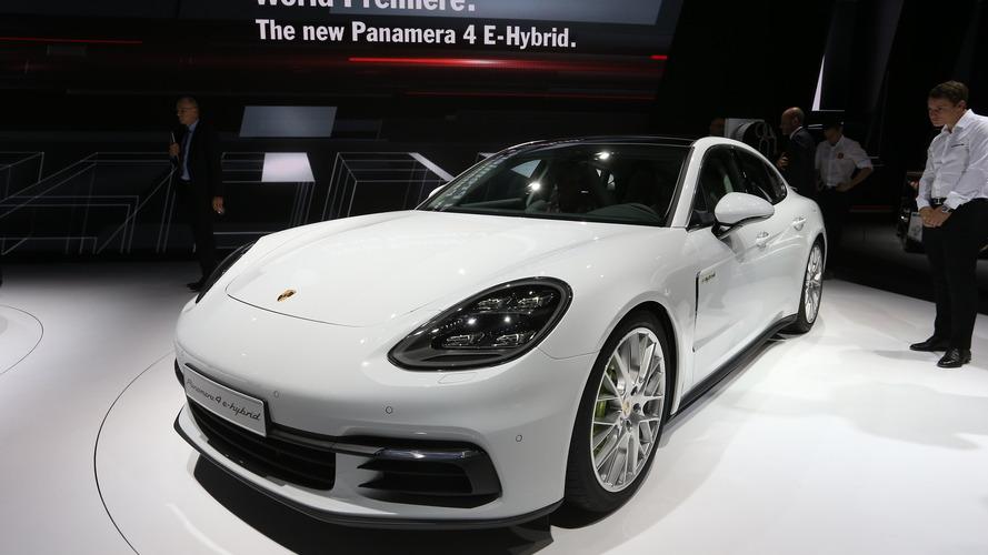Hibrit V8 motorlu Porsche Panamera düşünülüyor