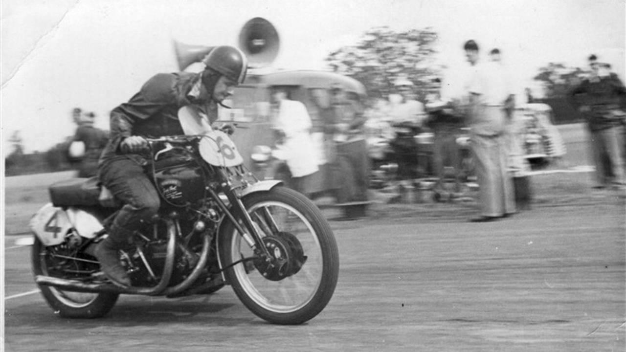 Vincent Black Lightning de 1951 subastada por Bonhams