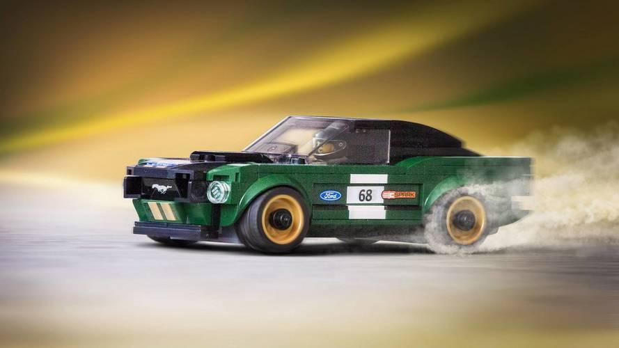 1968 Ford Mustang yarış aracına Lego versiyonu