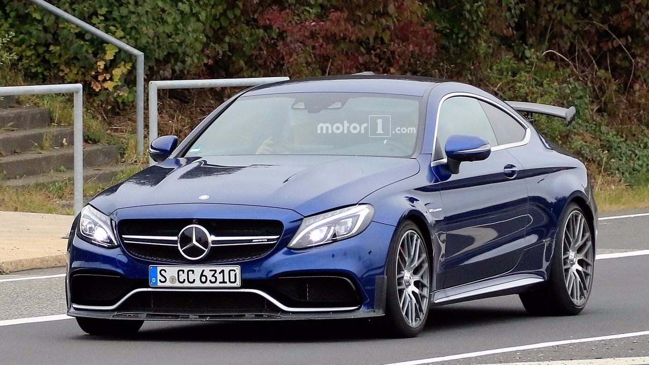 mercedes amg c63 r reportedly coming with more of everything. Black Bedroom Furniture Sets. Home Design Ideas