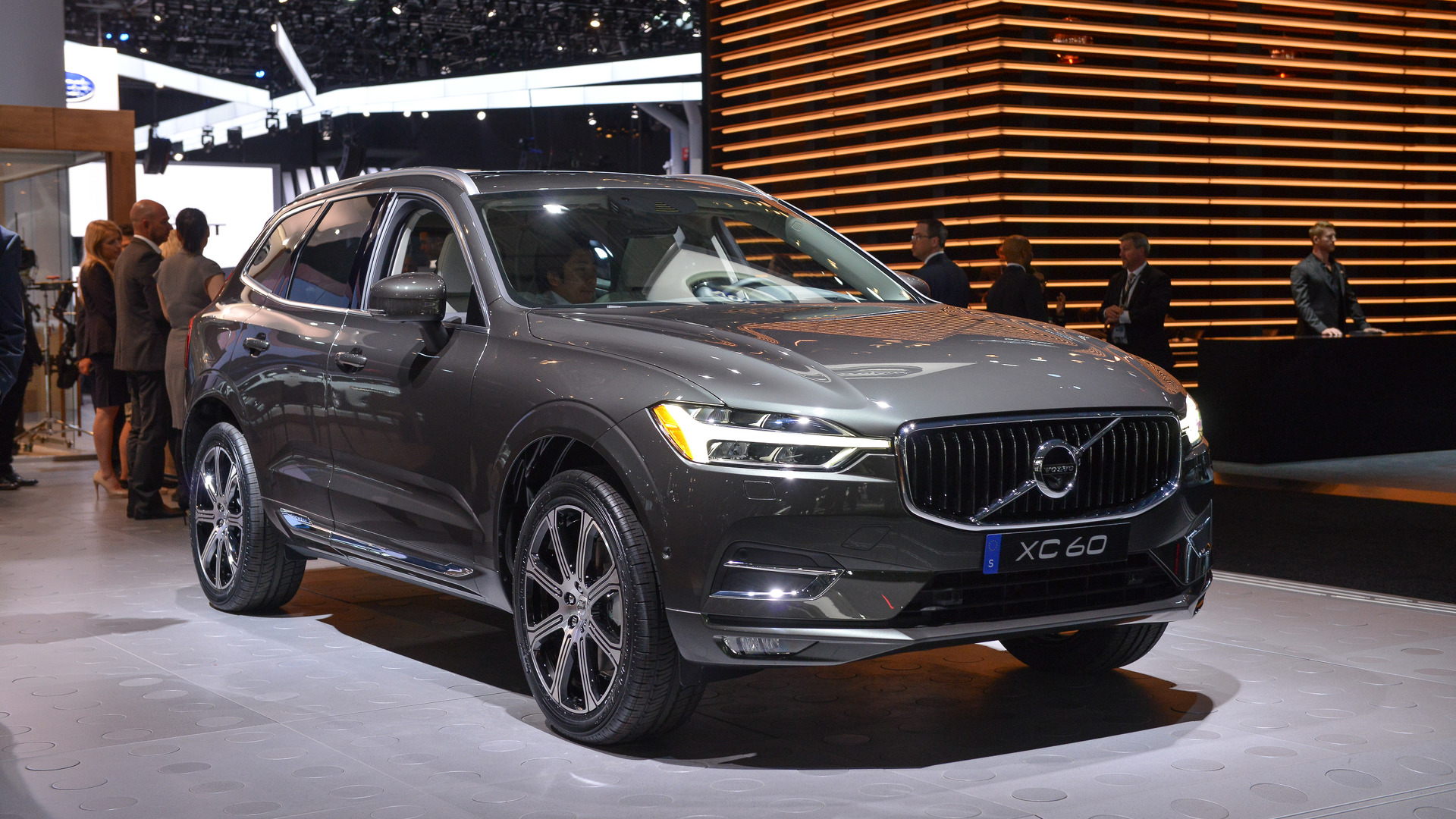 2018 volvo xc60 is suv design done right in new york. Black Bedroom Furniture Sets. Home Design Ideas