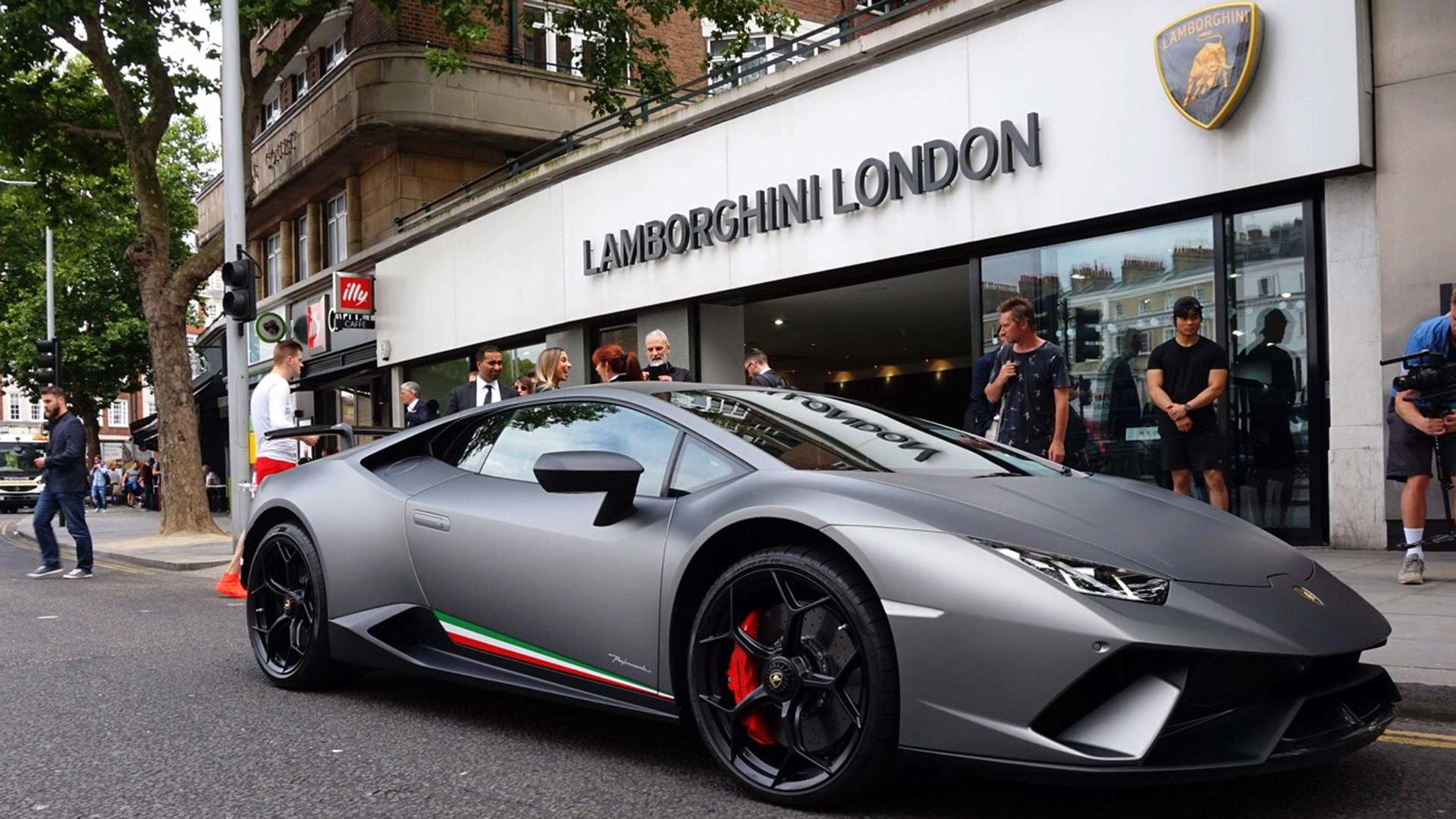 You Can Now Test Drive A Lamborghini Huracan Performante In Britain