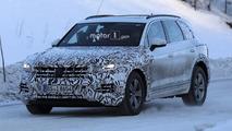 2018 Volkswagen Touareg spy photos