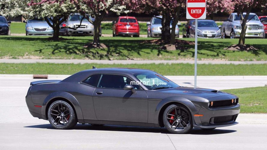 Dodge Challenger SRT Hellcat Widebody Spy Photos