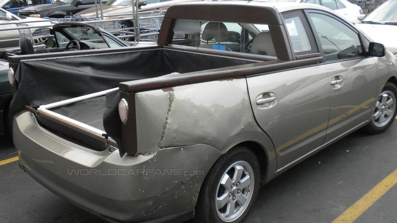 Toyota Prius pick-up truck conversion, 1600, 04.08.2011
