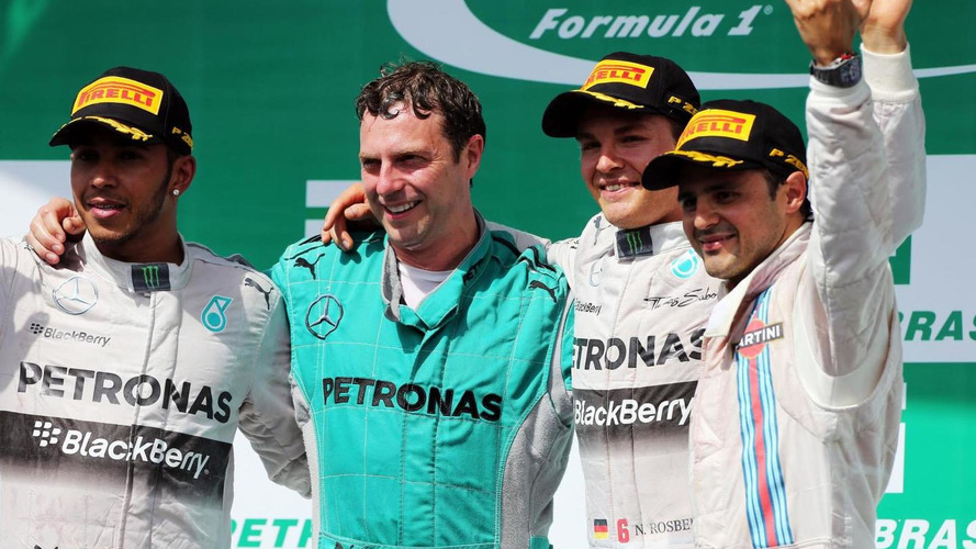 Massa says he will not help Rosberg win title