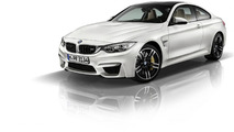 BMW M4 Coupe Frozen Brilliant White metallic