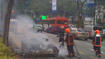 Ferrari F430 Bursts into flames in Singapore